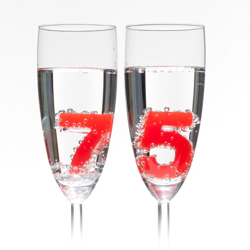 75 in champagne glazen 2