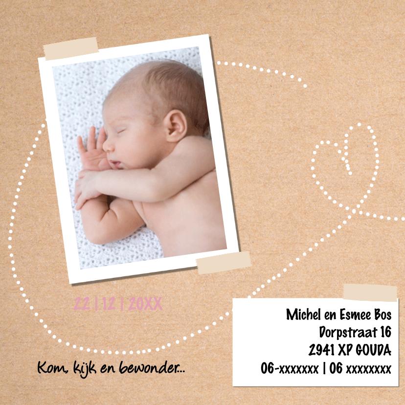 Geboortekaartje meisje met kraft achtergrond en hartjes 2