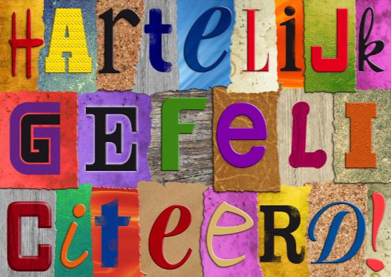 Geslaagd kaart met losse letters op gekleurde vlakjes 3