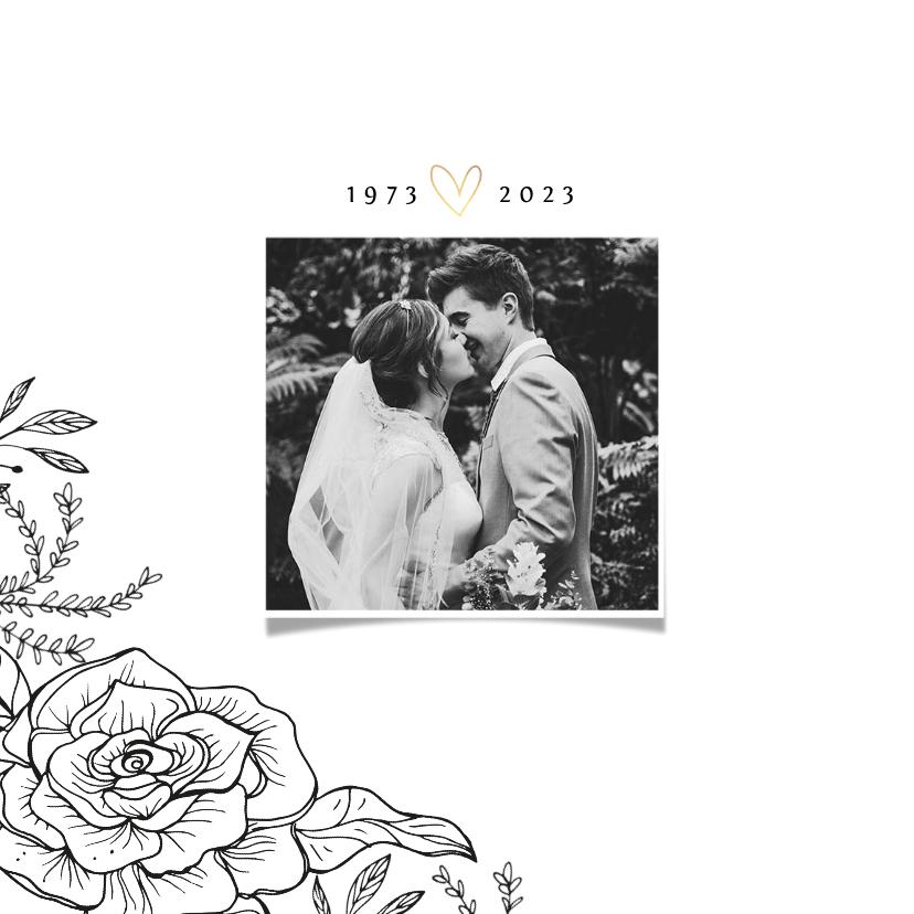 Jubileumkaart 50 jaar klassiek met bloemen , goud en foto 2