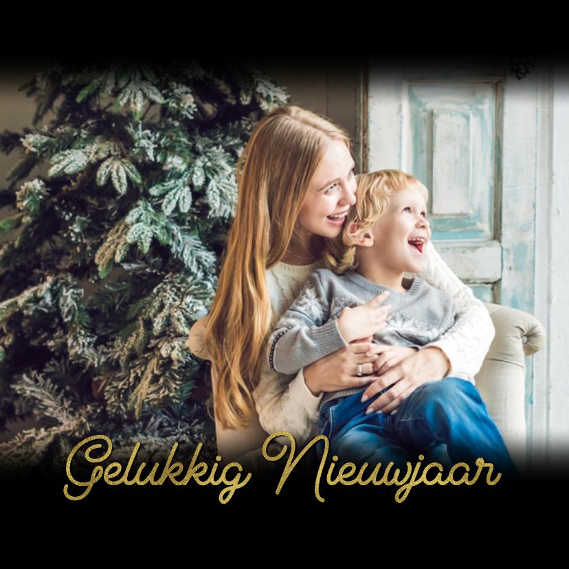 Kerstkaart zwart met eigen foto en gouden tekst 2