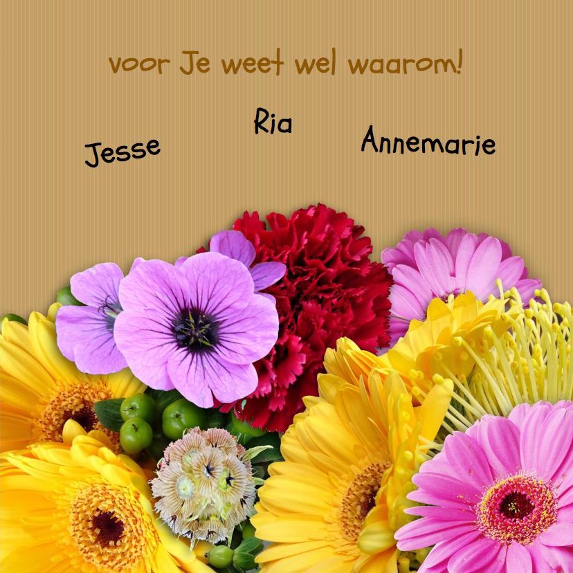 Leuke kleurige bloemenkaart met mooi boeket en foto 3