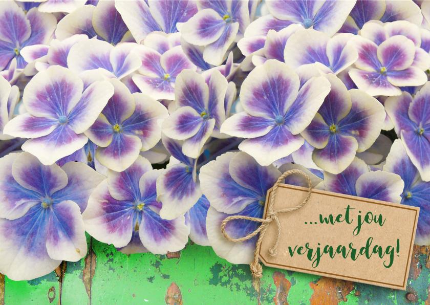 Mooie bloemenkaart met Hortensia op groen hout 3