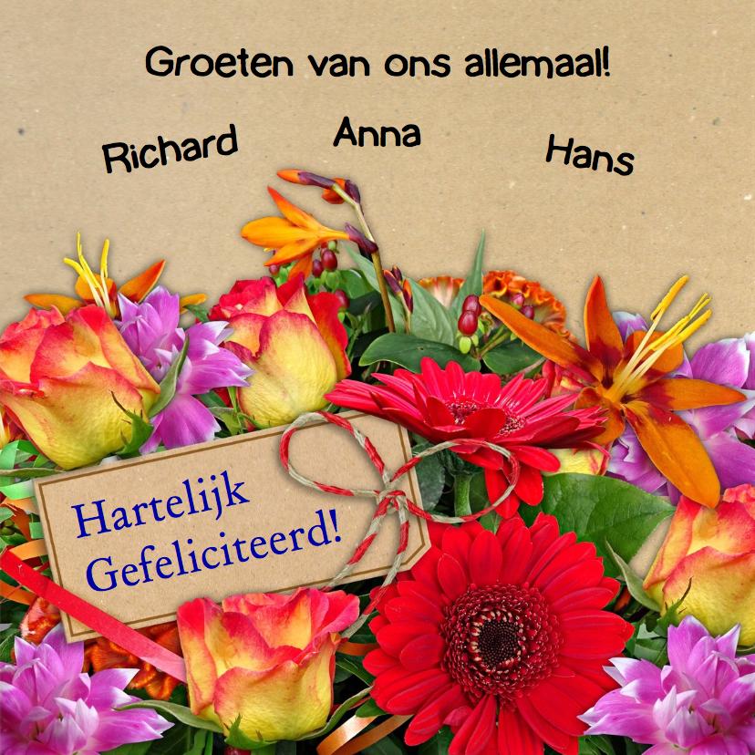 Mooie verjaardag boeket met kleurige bloemen 3