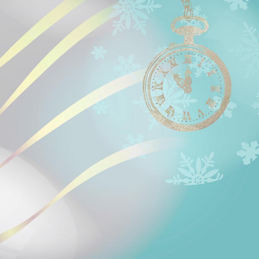 Nieuwjaarskaart blauw met klok op 5 voor 12 2