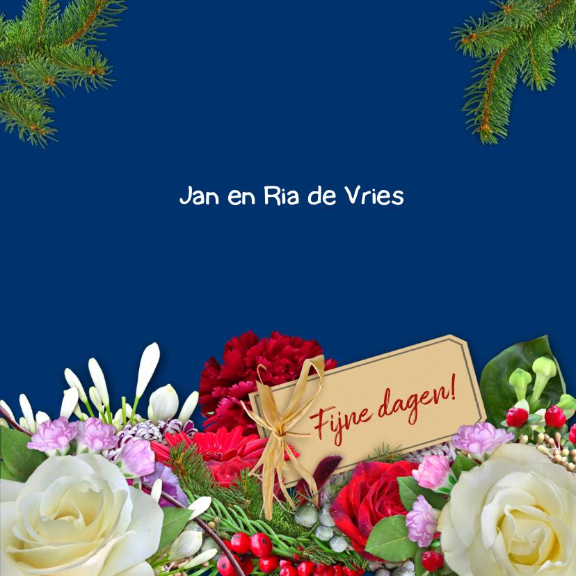 Nieuwjaarskaart met witte rozen en andere bloemen 3