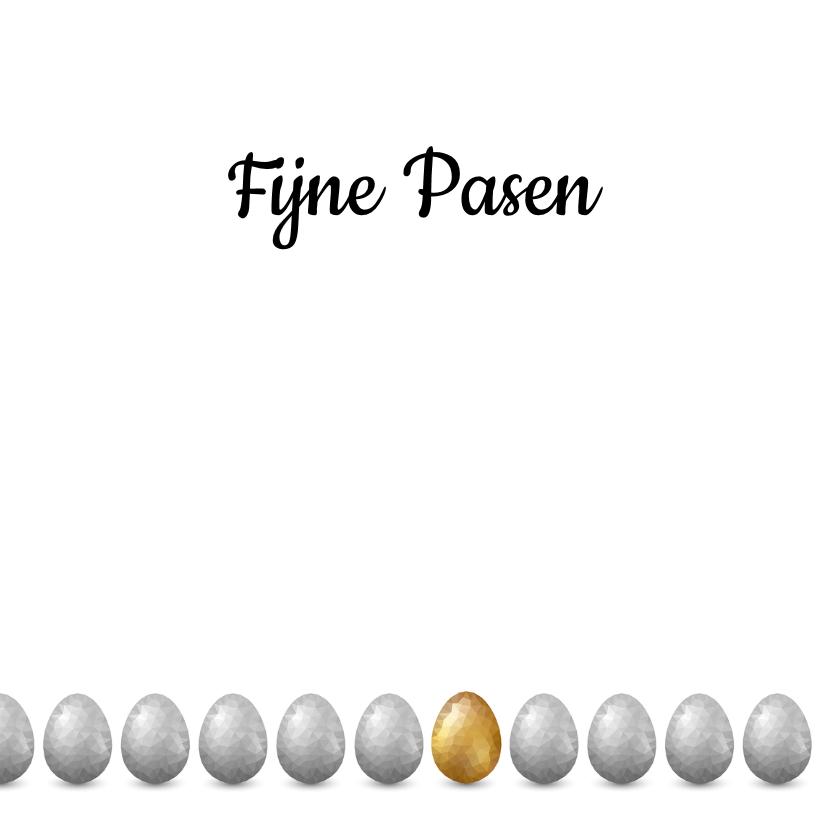Paaskaart met groot glimmend gouden low poly paasei 3
