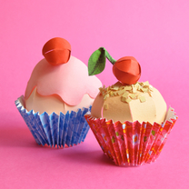 Verjaardagskaarten - papieren cupcakes