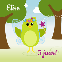Verjaardagskaarten - Verjaardagskaart meisje vogelfeetje in het bos - DD