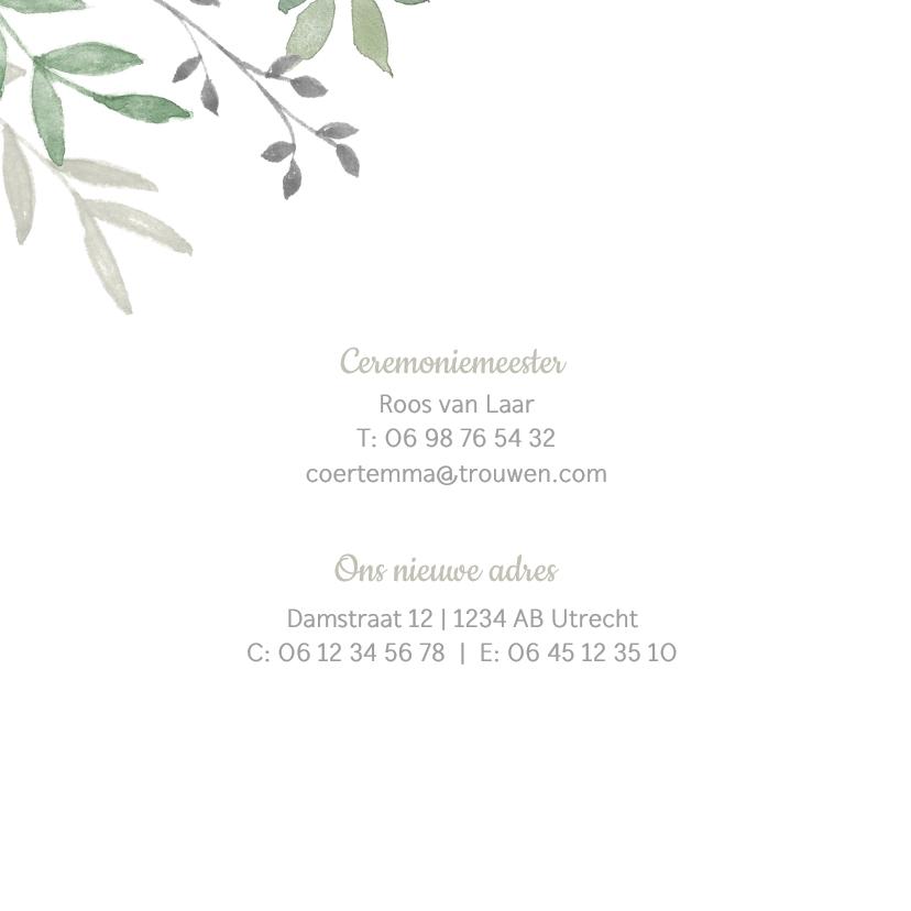 Vierkante trouwkaart met groene takjes 2