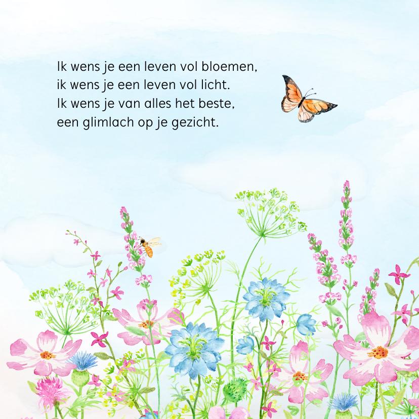 Vrolijke bloemenweide met vlinders 2